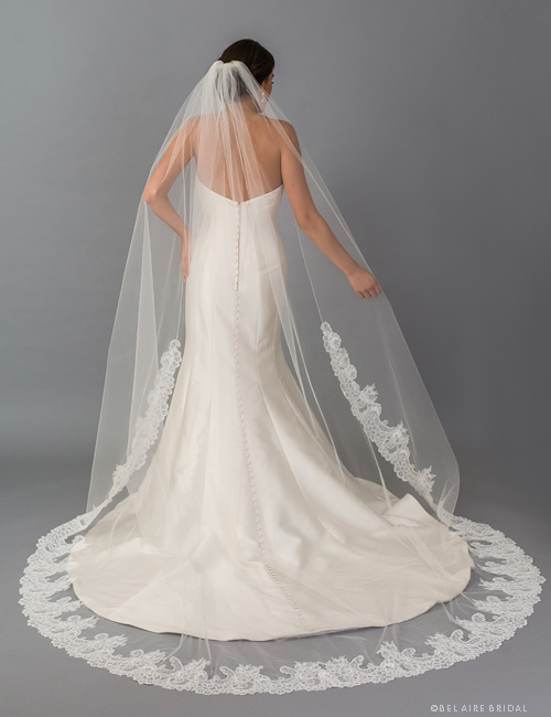 V7404C   1-tier cathedral veil with Chantilly lace