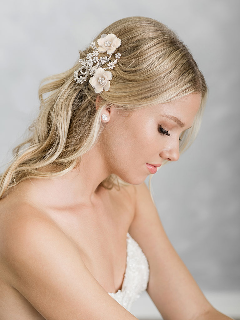 6918   Charming clip of metal flowers with organza petals and pearls