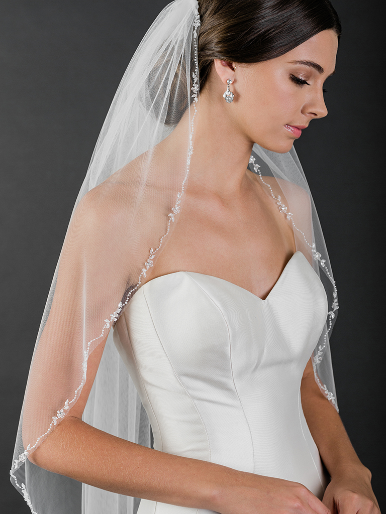 V7504   1-tier fingertip veil with crystal flowers and beads
