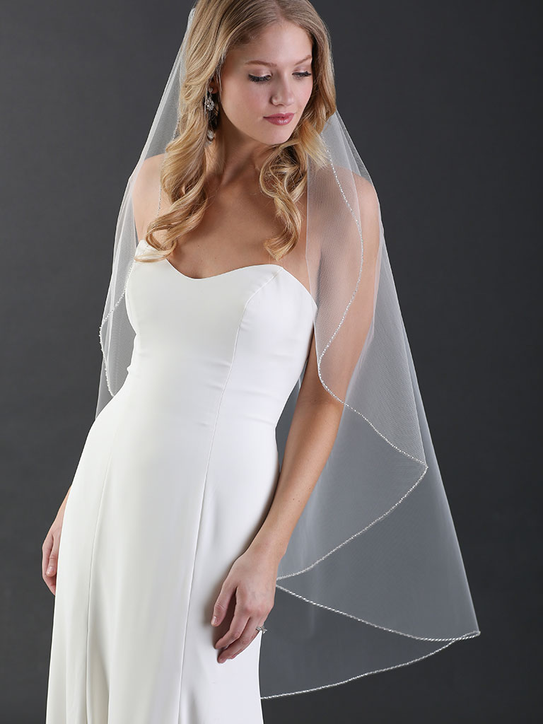 V7488   1-tier knee-length cascade veil with delicate frosted bead edge