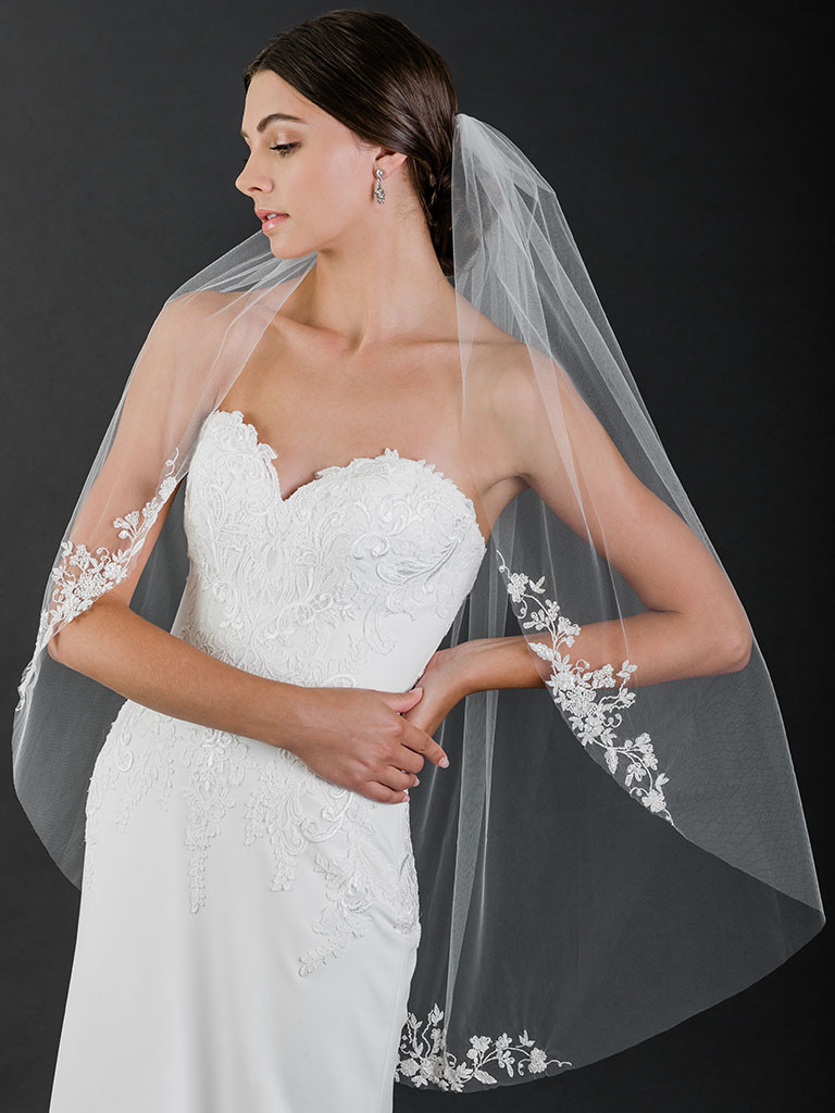 V7515   1-tier fingertip cut edge veil with embroidered/beaded designs