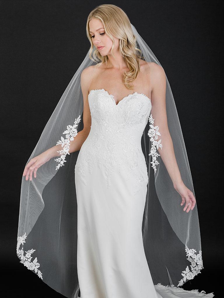 V7505   1-tier cut edge waltz veil with Venise lace appliqués