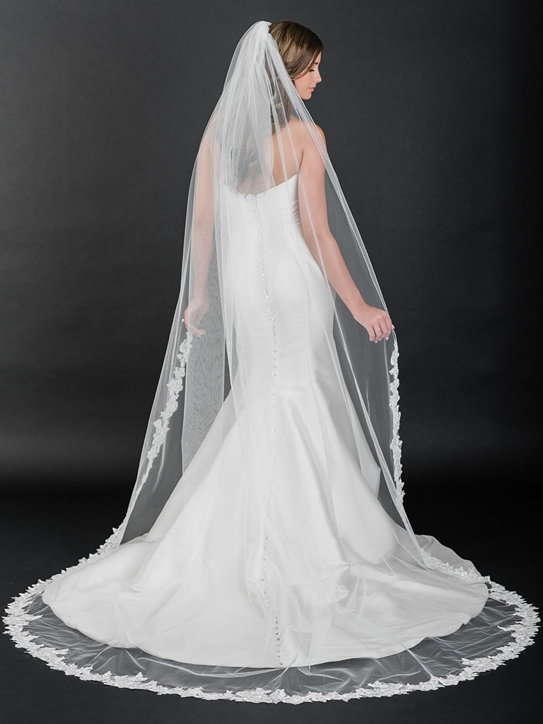 V7510C   Cathedral veil with rolled edge and sequin lace