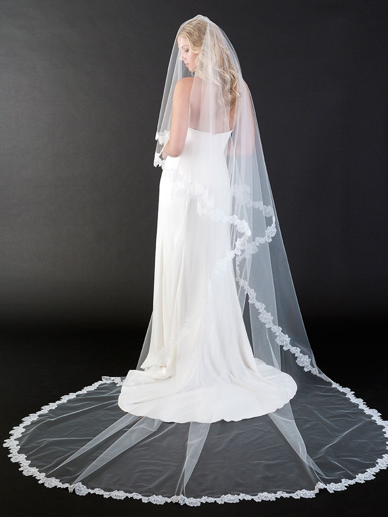 V7441C   Foldover cathedral veil with soft Chantilly lace