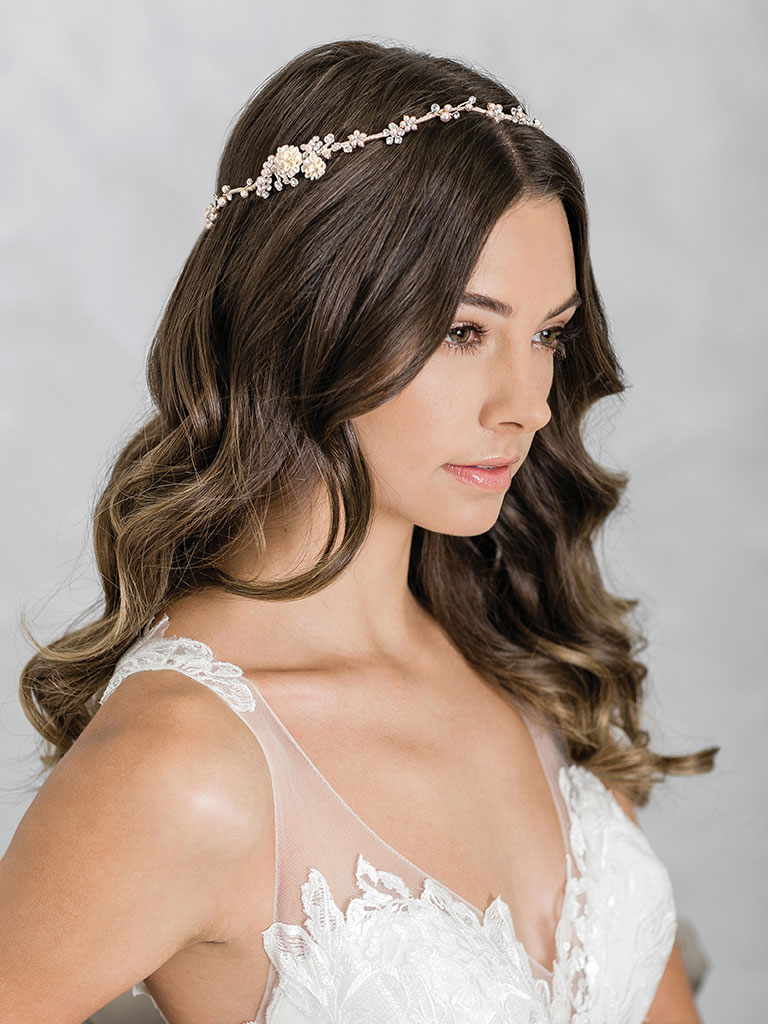 6940   Dainty halo of champagne pearl flowers and rhinestones