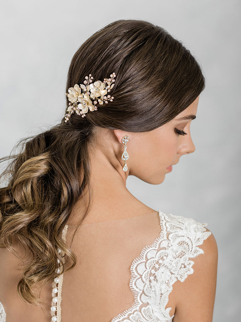 6923   Shimmering clip of metal flowers and champagne pearl sprays
