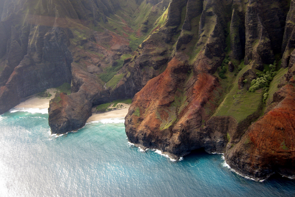 Na Pali Coast, Kauai, Hawaii, USA    The Na Pali Coast is on the oldest inhabited Hawaiian Island, Kauai. ( via )