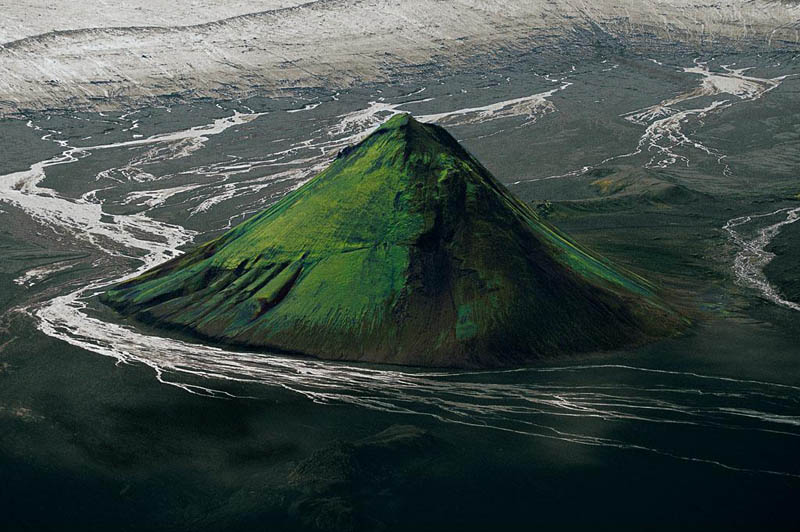 Maelifell Volcano, Iceland   The Maelifell Volcano sits at the edge of the Mýrdalsjökull Glacier in southern Iceland. ( via )