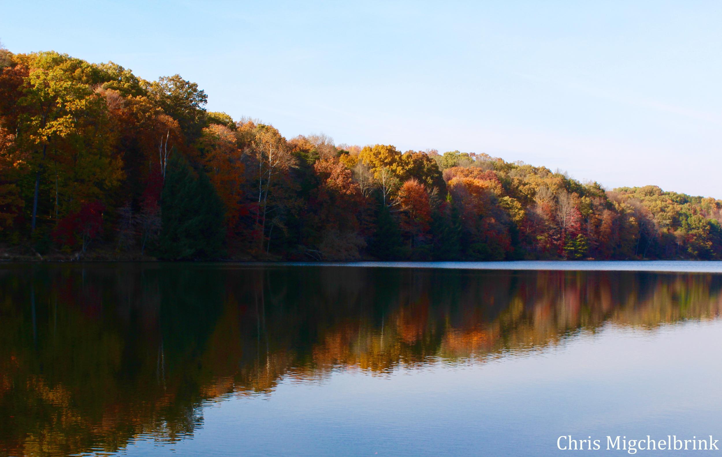 Rose Lake in Hocking Hills, Ohio   photo by: Chris Migchelbrink