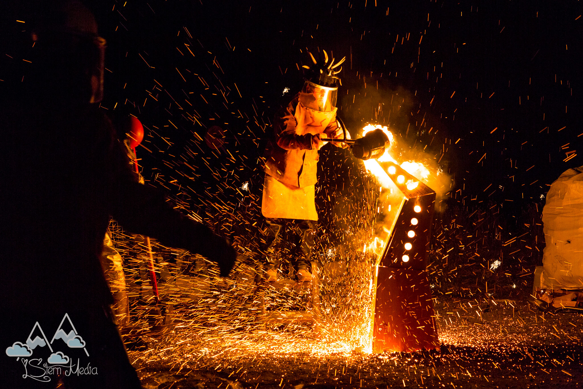Iron Pour - photo by Lydia Stern - LStern Media -108.jpg
