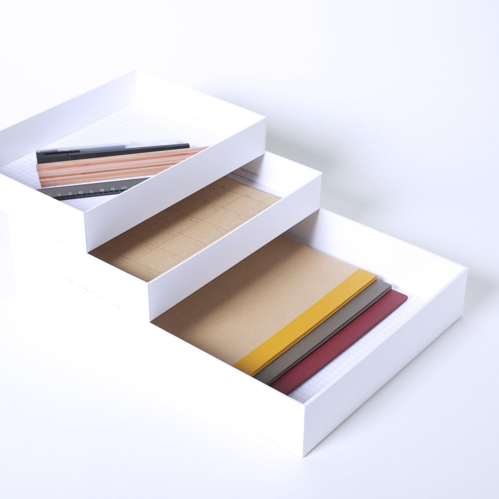 PaperTray - 2 iPad boxes + 1 MacBook Pro Box