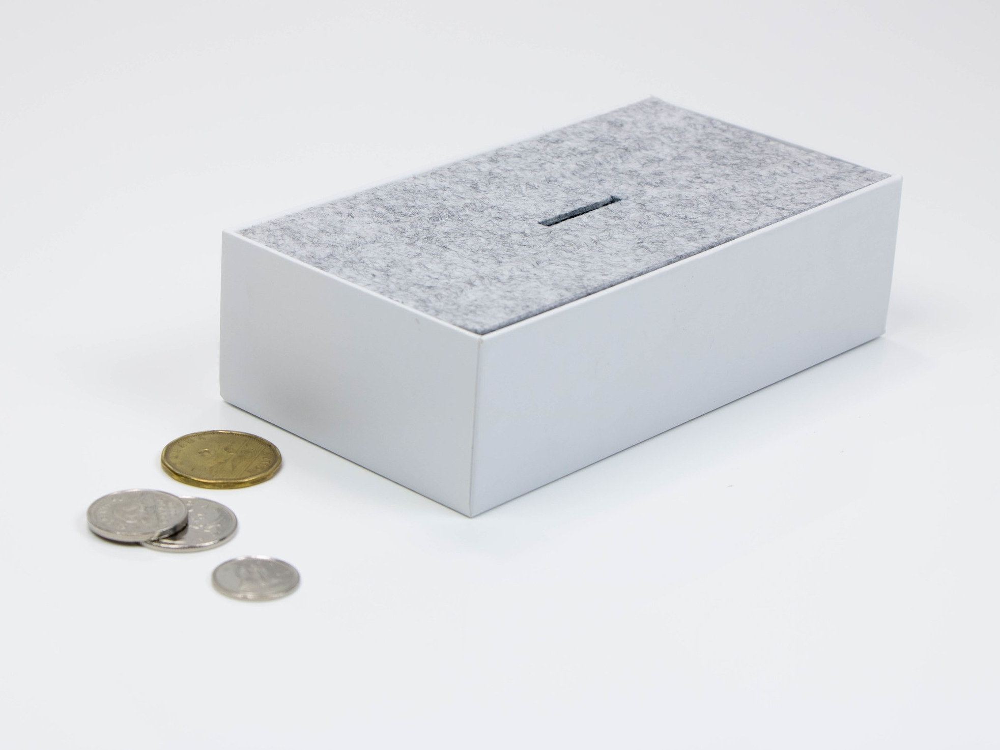 Make a bank with an iPhone box