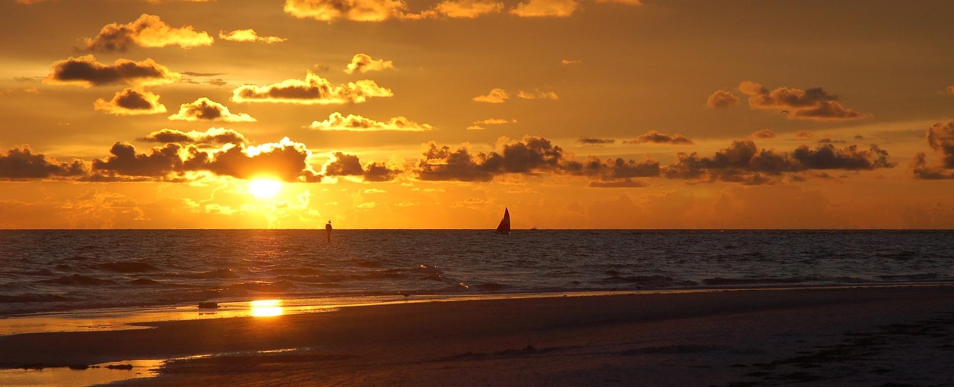 sunset-1032604_1920.jpg