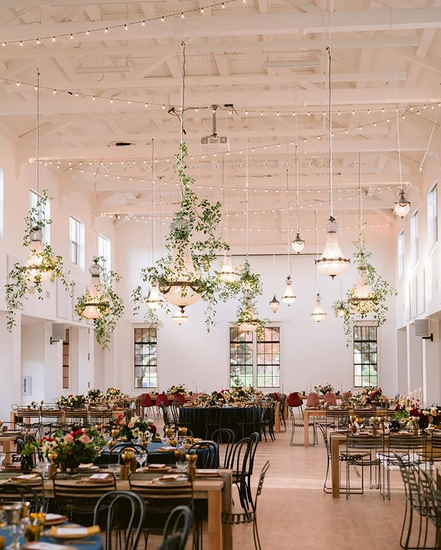 What a day! We installed our Market Lighting and (19) of these beautiful Chandeliers provided by @foundrentals Grateful to be a part of such a strong team of vendors for this unforgettable wedding. #marketlighting #weddinglights #weddingphotography #sandiegowedding #weddingvenues #elegantweddings