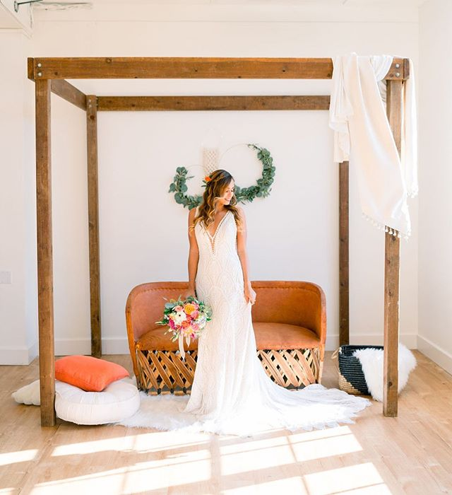 Feeling this vibe 😎  Style & Design: @prettylittledetails.co  Rentals: @stecklaireventco Venue: @bldg177 Photography: @kileyshaiphotography Bride: @izzyisup Florist: @geneseeflorist  Hair: @adriana.v.garcia  #weddingrentals #weddingvibes #boholounge #weddingarch #styledshoot #bridetobe #sdvenues