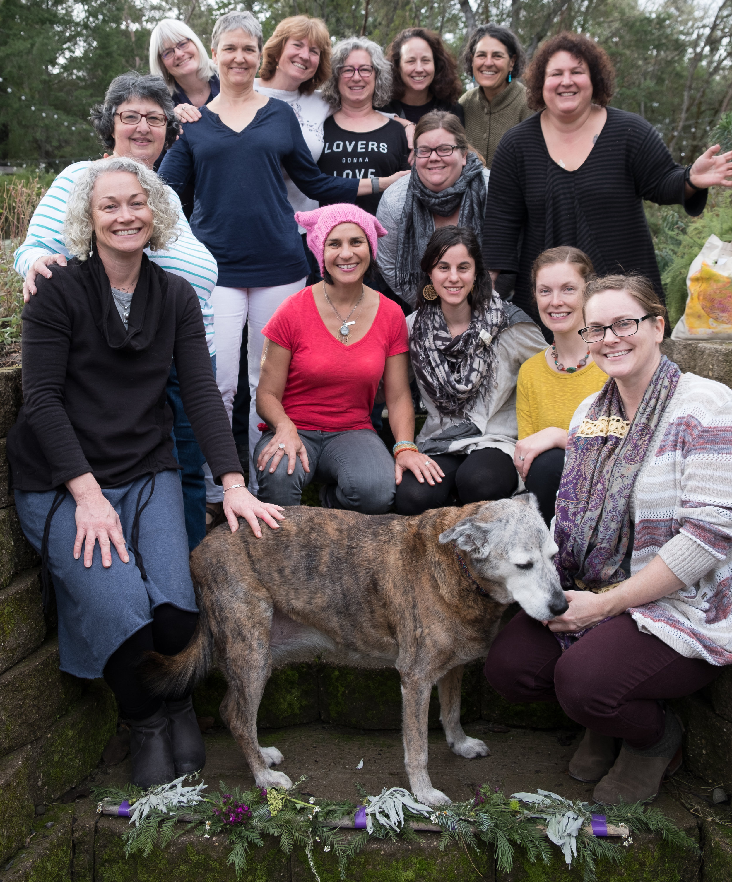 2017 soul journey new year_s eve creativity retreat group photo full size_cropped.jpg