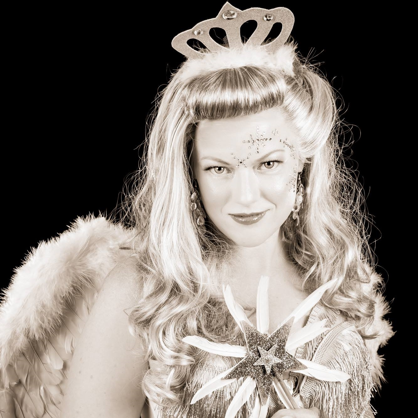 Newcastle Burlesque Idol 2015 Winner - Sugar Starr  Photo by Doug Hall
