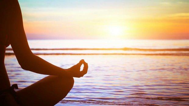 Enjoy a Sunset Yoga Class in Waikiki
