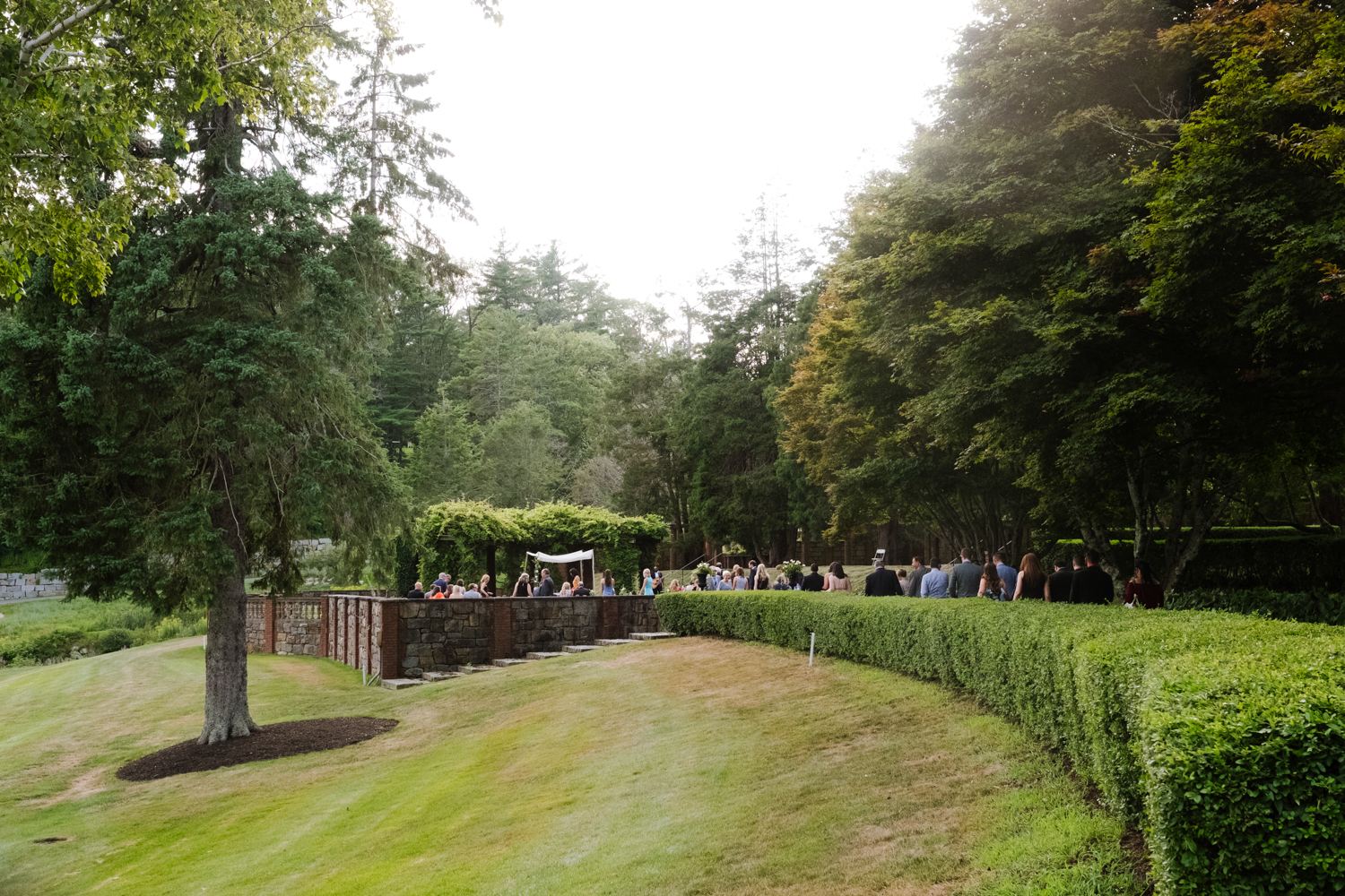 Guests_Arrive_Turner_Hill_Outdoor_Wedding