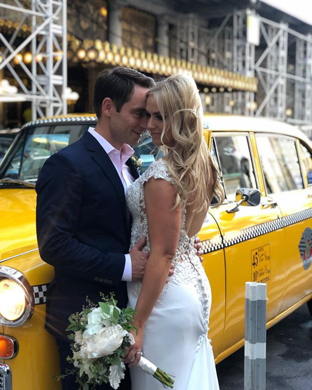 Living for this couple and their magical wedding in #NYC! Love is in the air in the Big Apple 🍎🎉🚕#Hair and #makeup by #TheQueensTouch with wedding by @ultimateusaweddings ⭐️