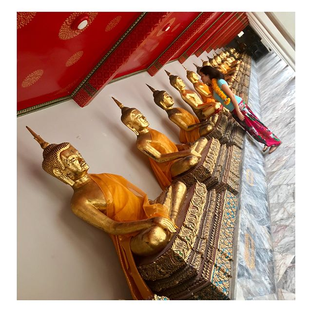 And another stunning temple in Bangkok that I had the privilege to enjoy #WatPho with the Reclining Buddha 🏳️🌈