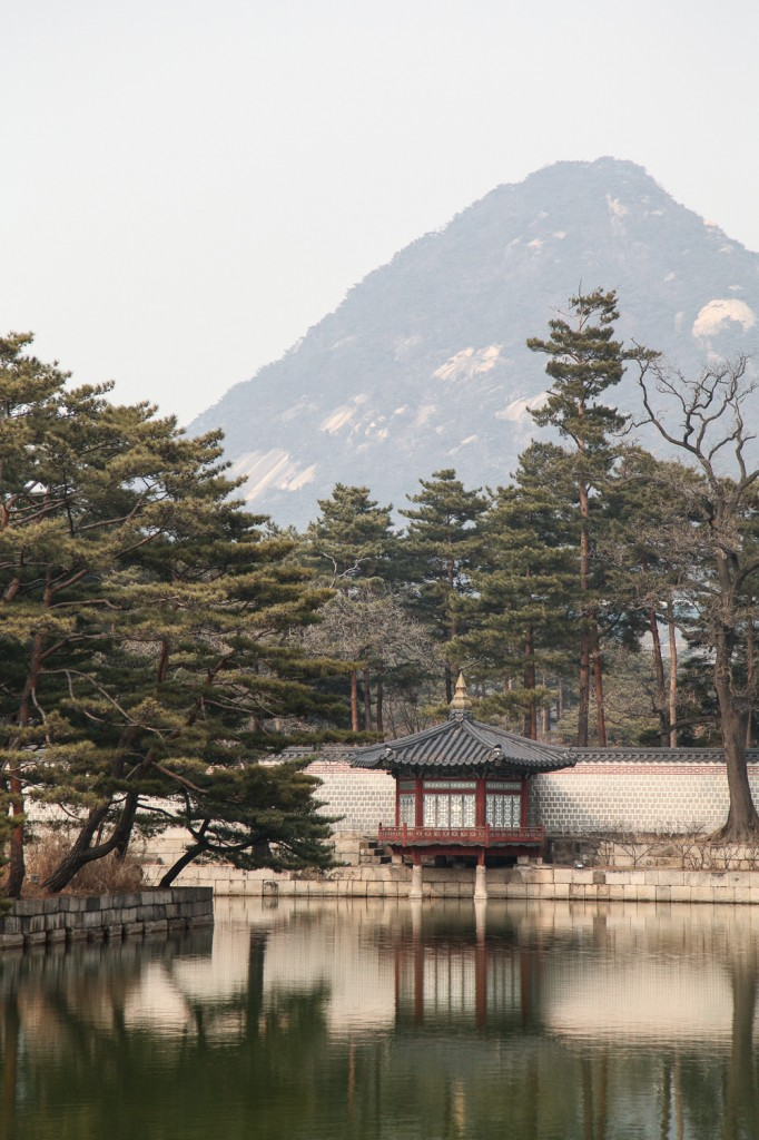 Pond of Gyeonghoeru Pavilion with Bukhansan Mountain.