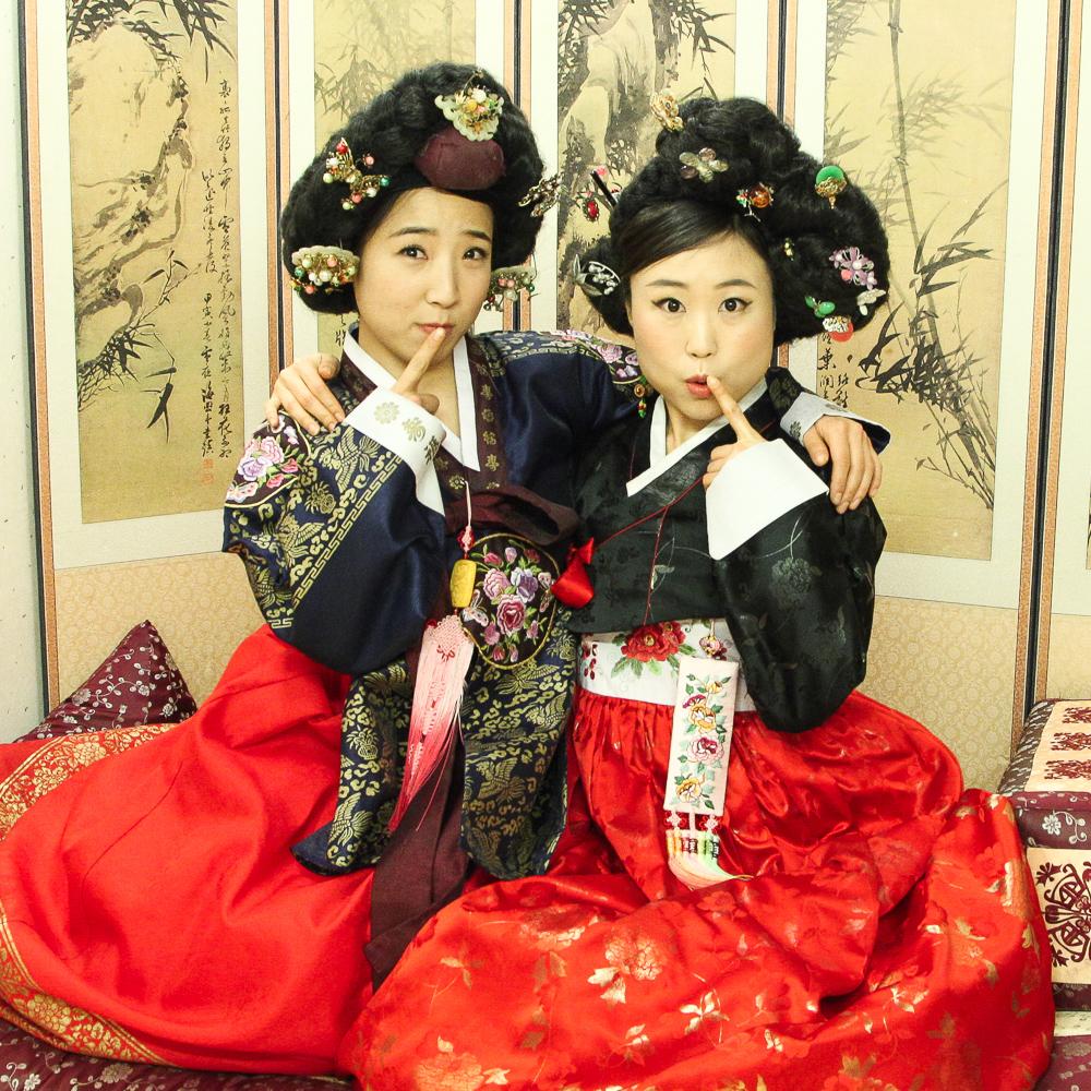 royal and giseng hanbok