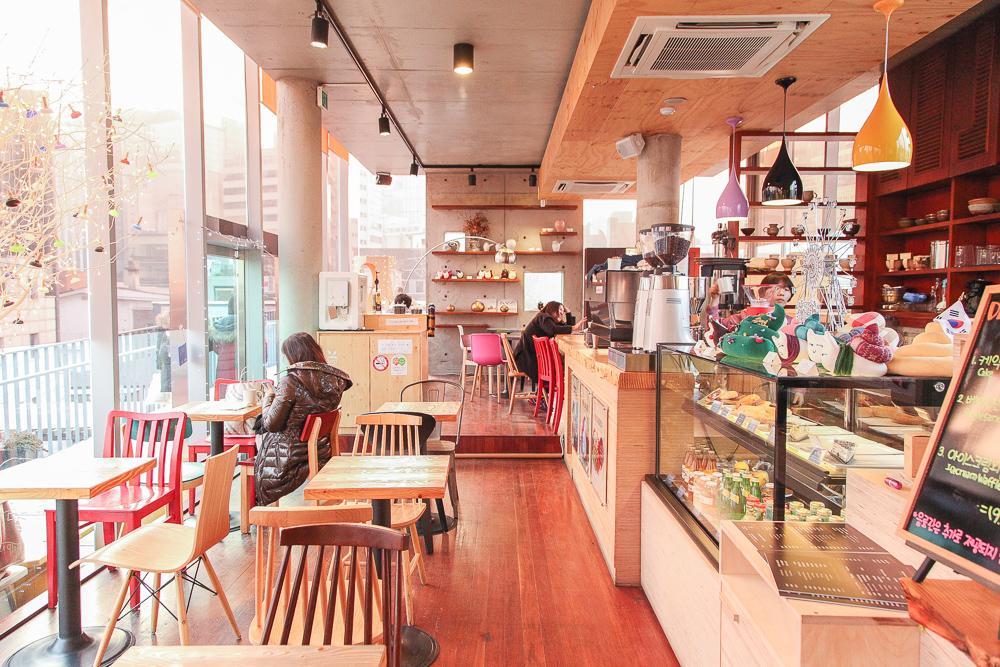 Poop Cafe in Korea — SweetandtastyTV