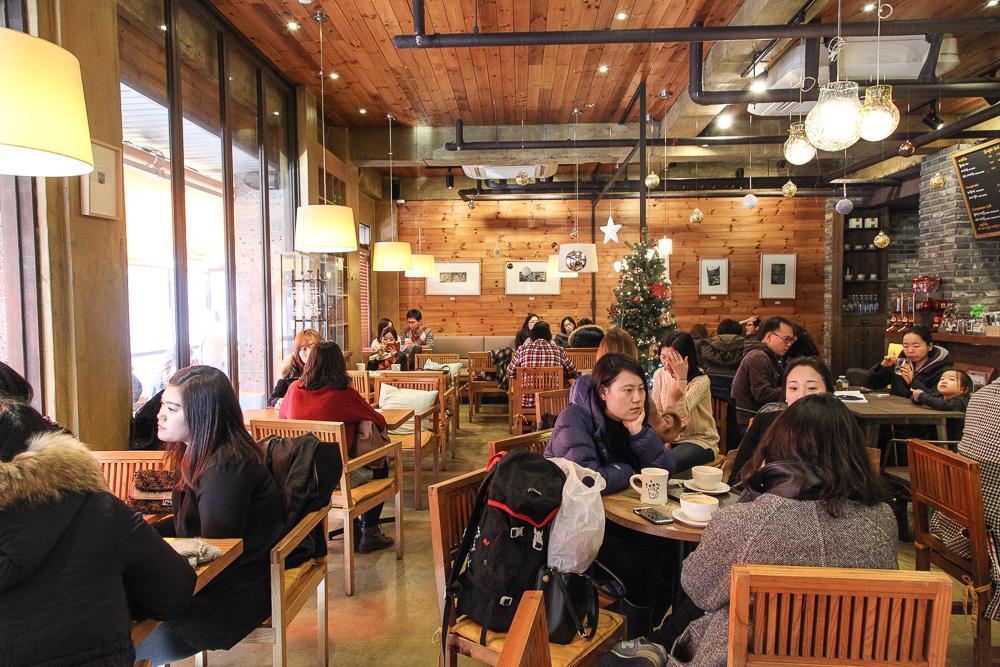 cafe ofete interior
