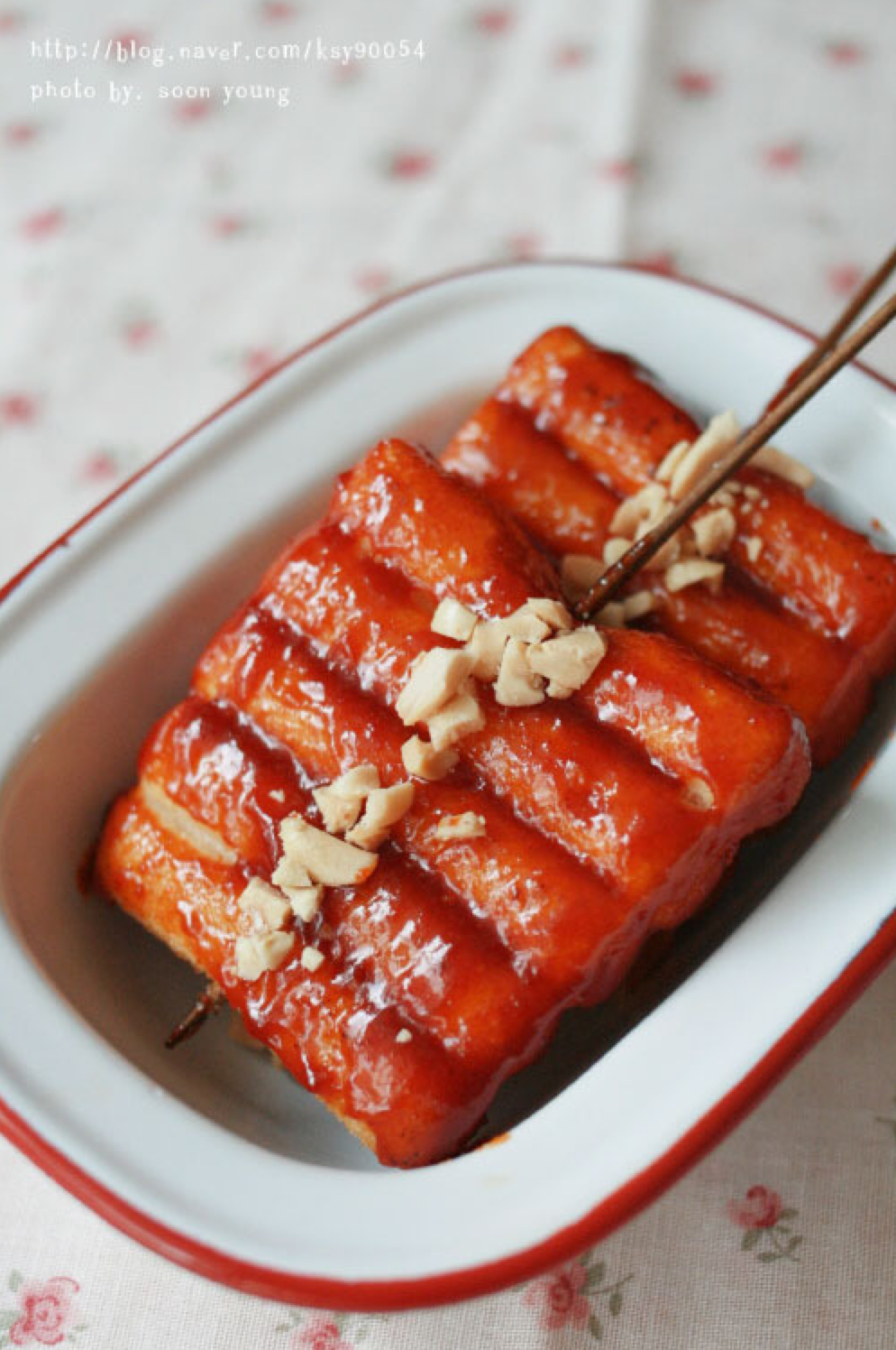 Spicy Skewered Rice Cakes ( Naver )