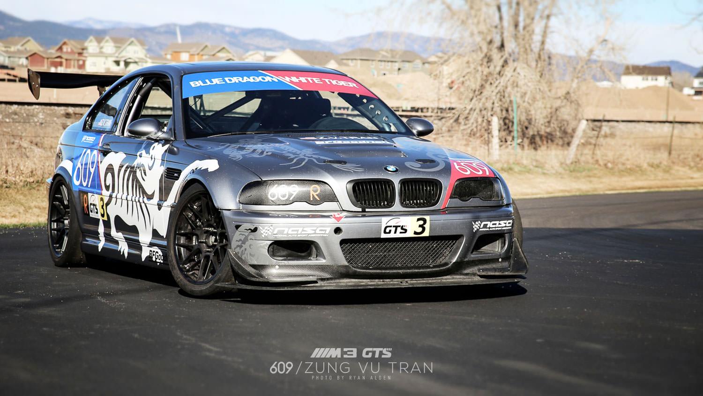 05-bmw-race-car-outside-mini.jpg