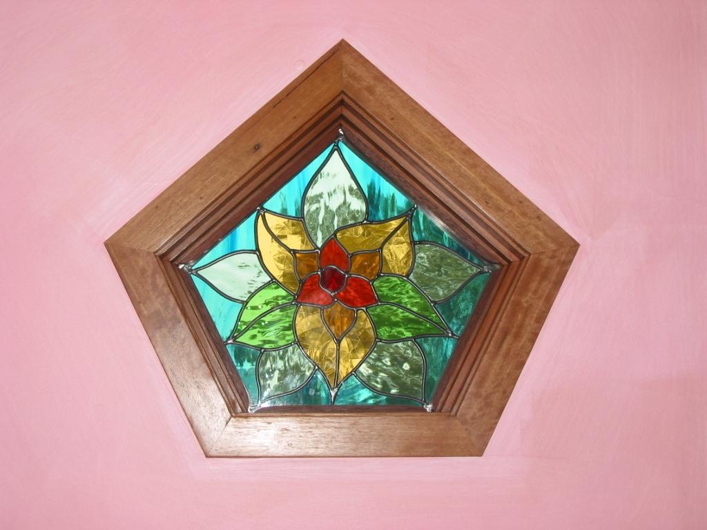 Orana+Kinder+Leadlight+window+Sept+5+2006+027.JPG