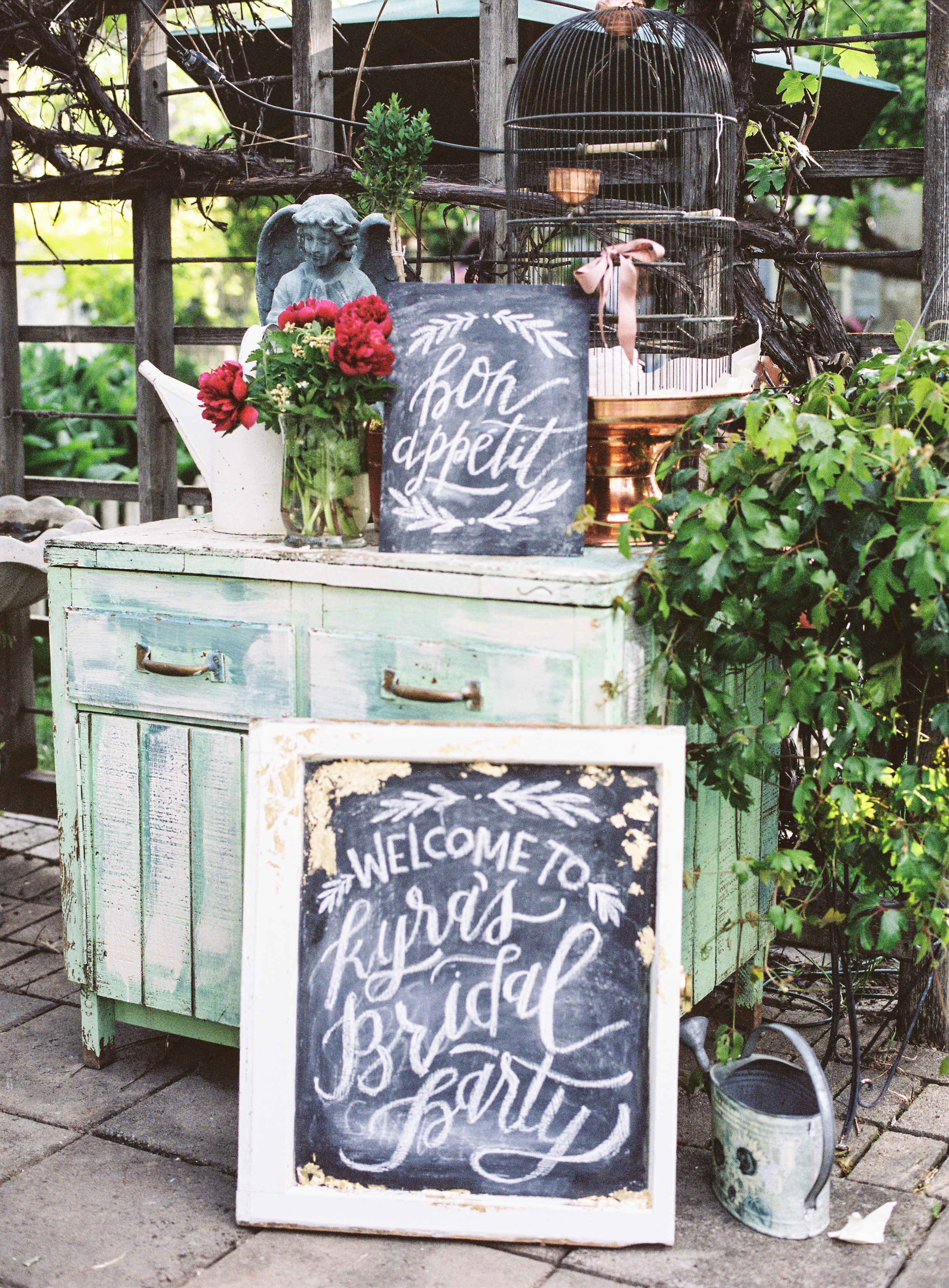 Chalkboards by Wildfield Paper Co | Photo by Loblee Photography