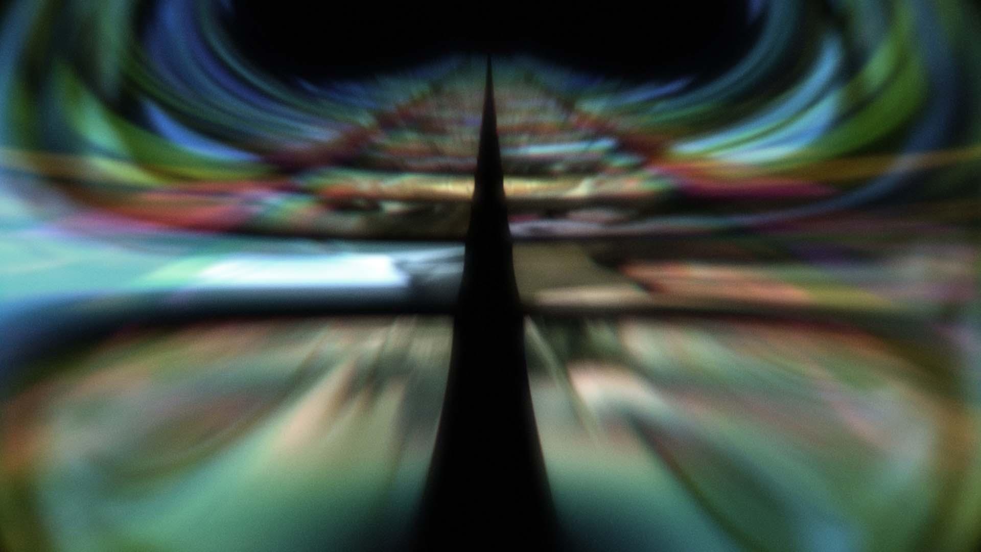 ManinPhone ONLINE (GRAIN PASS).00_03_46_13.Still107.jpg