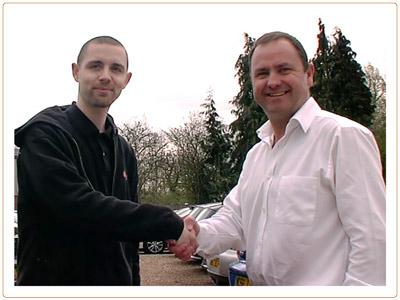 Handshake_18_s.jpg