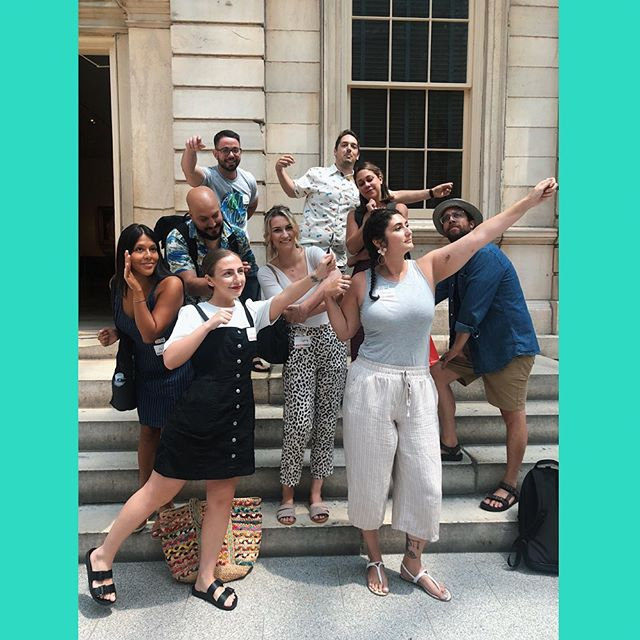 Can you tell our team apart from the ancient statues at the Met? Our team had a great time touring @metmuseum with @museumhacks at our quarterly offsite this week 🎨 🖌
