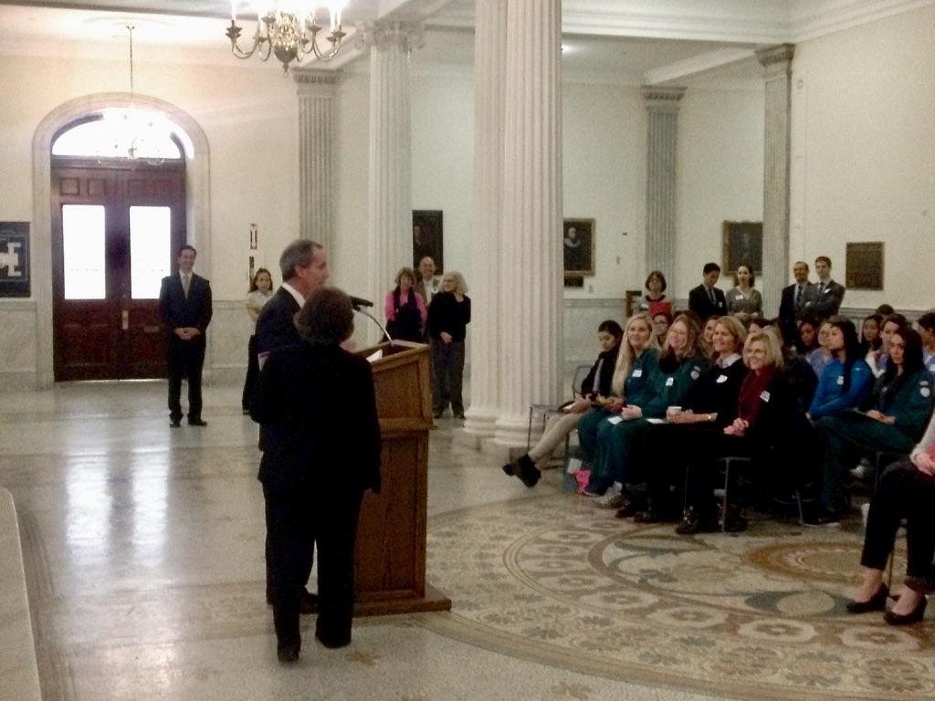 Representative Smitty Pignatelli addresses dental hygiene students at the State House