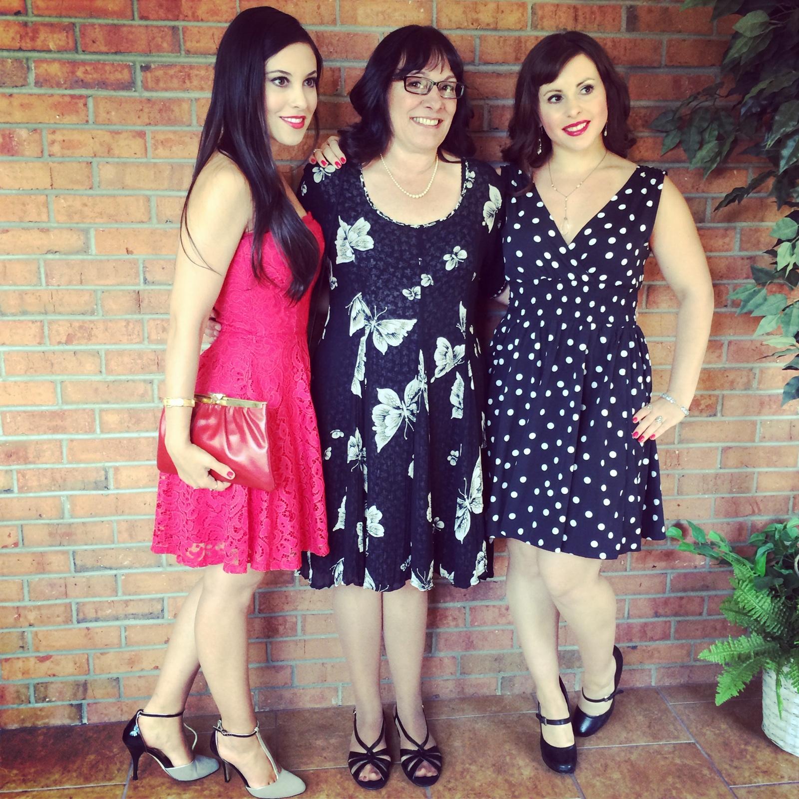 Amanda Jean & Laura Mae posing with Mama