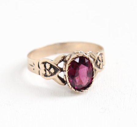 Antique Victorian 8k garnet doublet ring