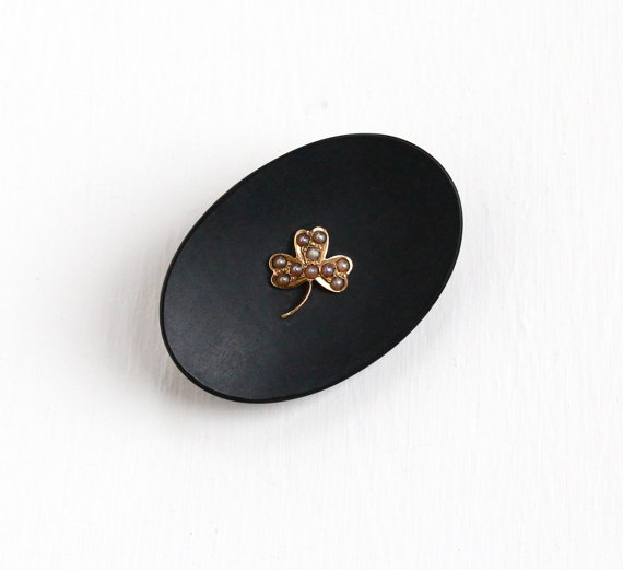 Charming Antique 14K Yellow Gold Black Onyx & Seed Pearl Clover Pin .    This wouldalso be worn in time of mourning because of the black onyx style.