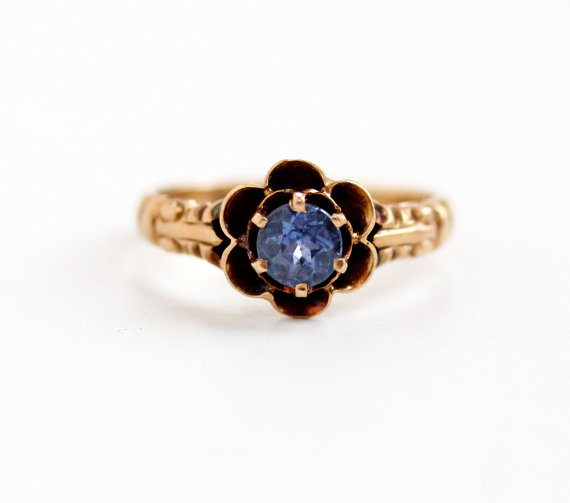 Elegant Rosy Gold Antique Buttercup Ring with a Genuine Sapphire.