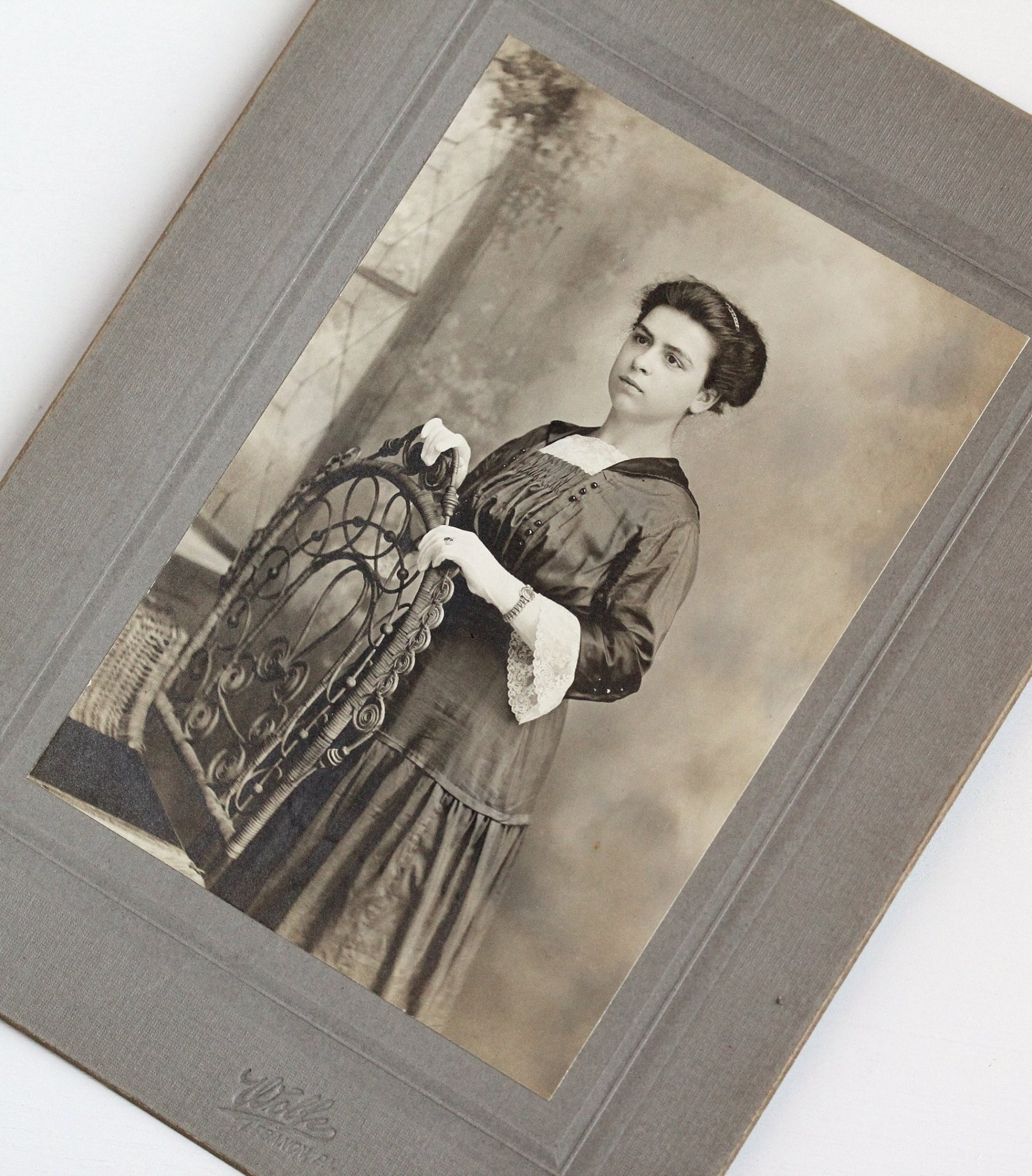 Edwardian era cabinet card from Lebanon, Pennsylvania featuring a stately young woman wearing an expansion bracelet. (I gifted this lovely lady to Miss Laura Mae for Christmas!)
