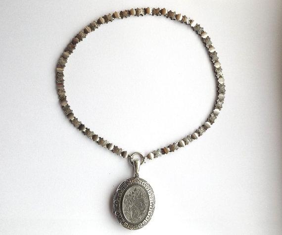 Antique Victorian Book Chain Locket via  DaisysCabinet