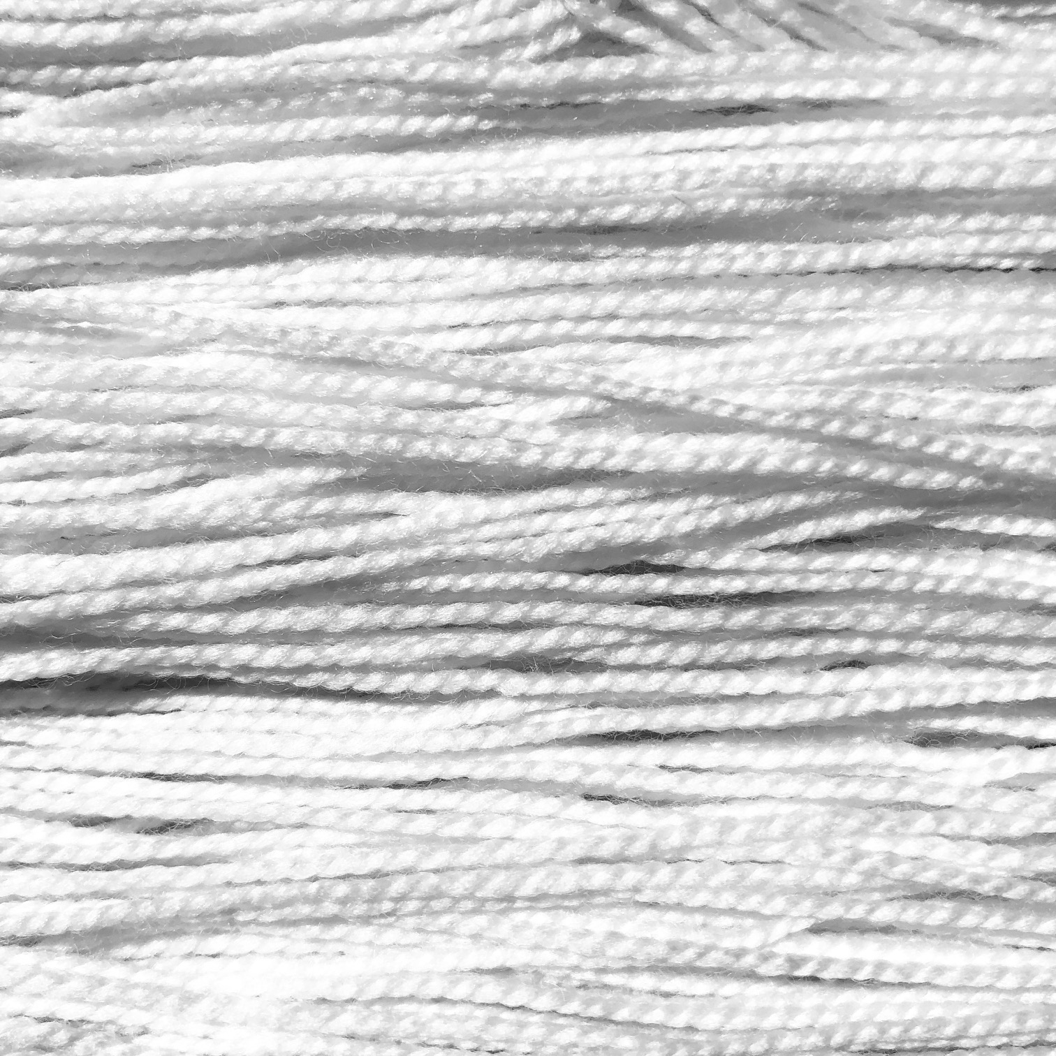 MCN FINGERING - 80% Superwash Merino/10% Cashmere/10% Nylon // 400 yds/100 grThe same twist and yardage as the 2-ply Fingering but with a touch of luxurious cashmere.