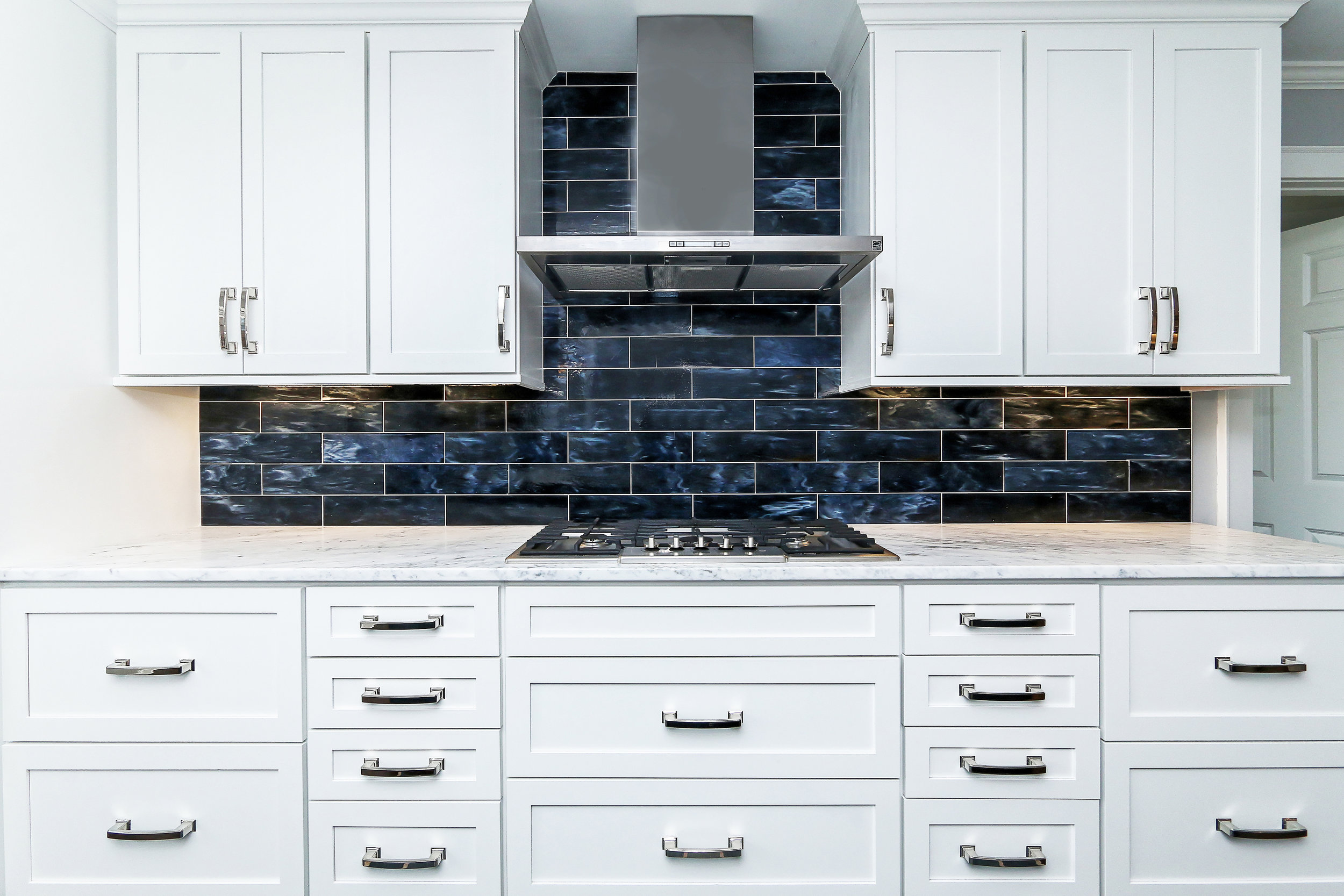 kitchen backsplash.jpg