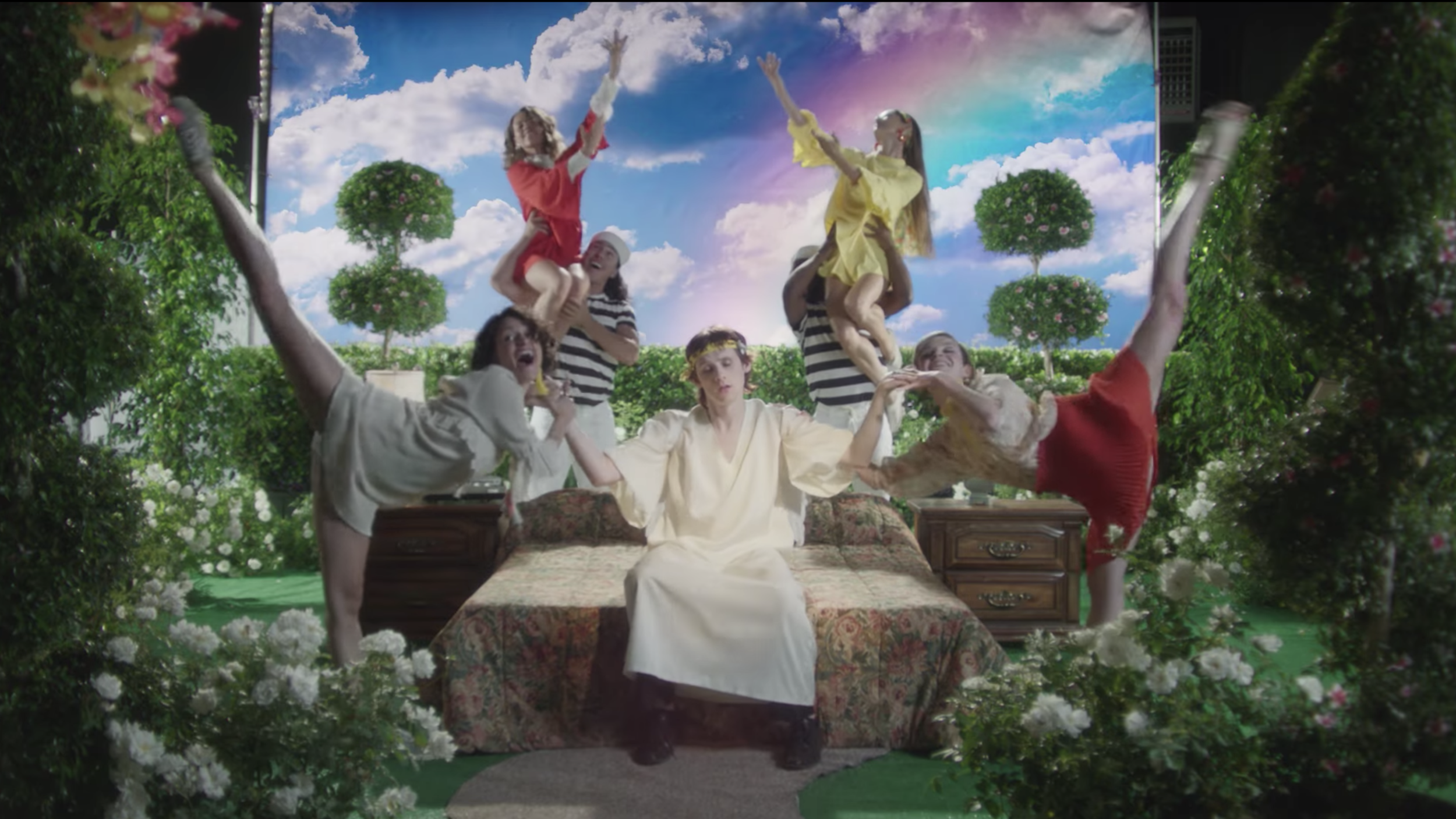 AVALON / FOXYGEN - Directed by Cameron Dutra & Alissa Torvinen