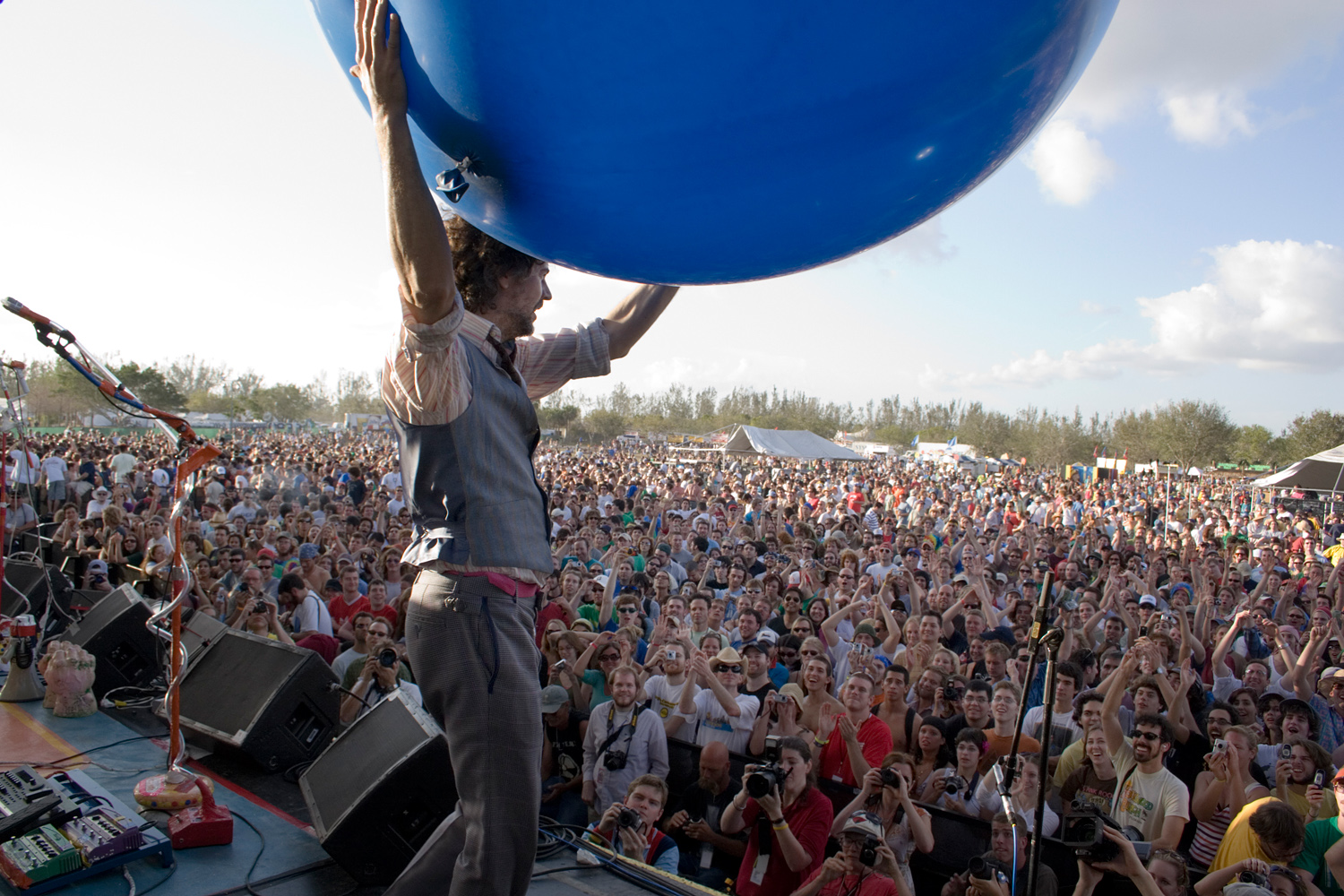 The Flaming Lips, At War with the Mystics tour, Fort Lauderdale, FL. (Sonic magazine)