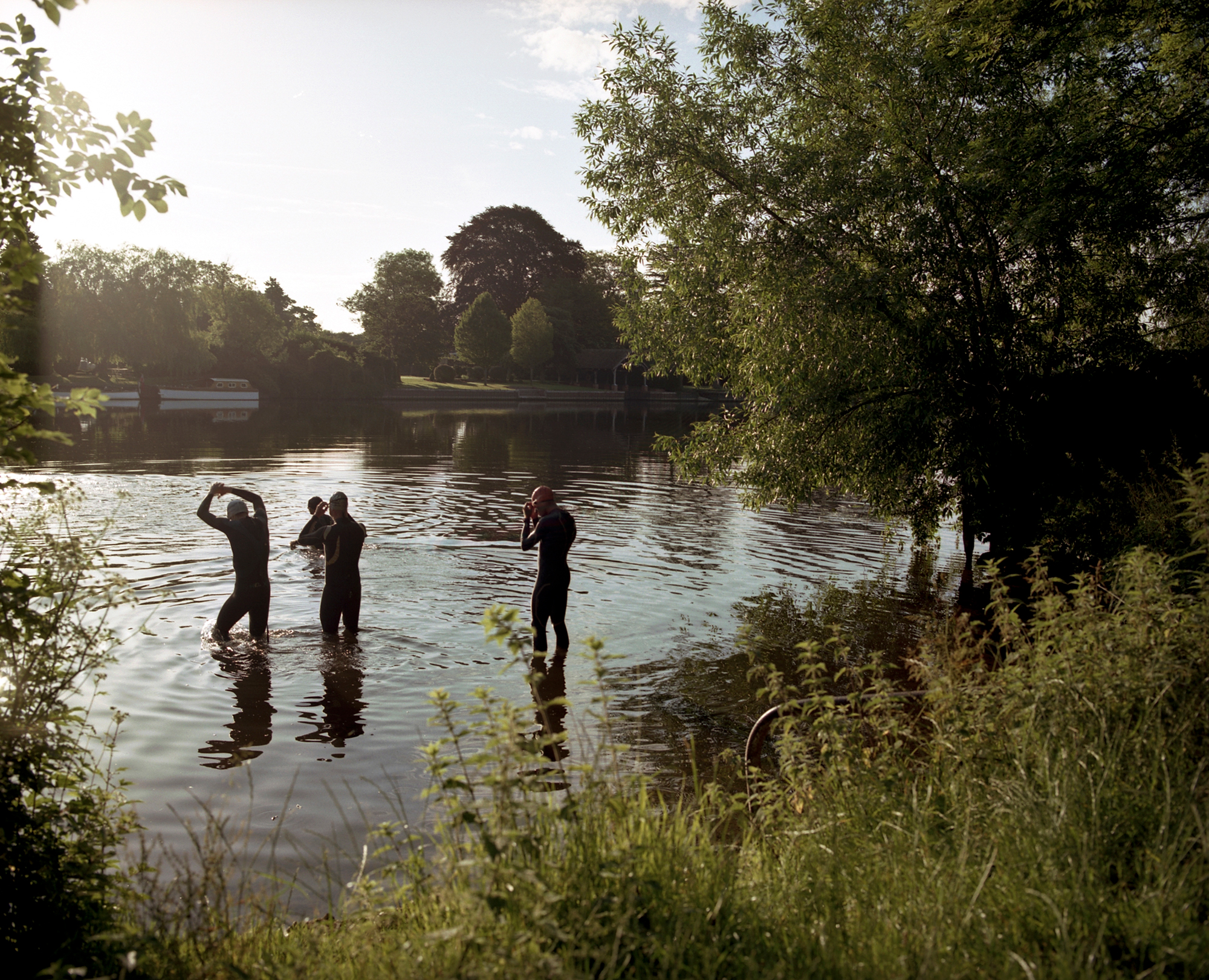 A long term personal project that takes me along the river Thames, shooting people and places as I go.