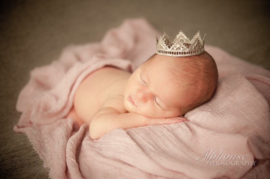 Alphonse_Photography_Newborn_Girl_Ashlyn_Casco_Richmond_New_Baltimore_Chesterfield_Macomb_St_Clair_County_Detroit_Michigan_Photographer-9.jpg