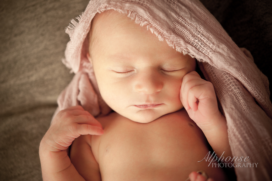 Alphonse_Photography_Newborn_Girl_Ashlyn_Casco_Richmond_New_Baltimore_Chesterfield_Macomb_St_Clair_County_Detroit_Michigan_Photographer-11.jpg